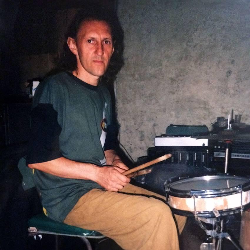 Афиша. Умер первый барабанщик группы ЧеРДаК